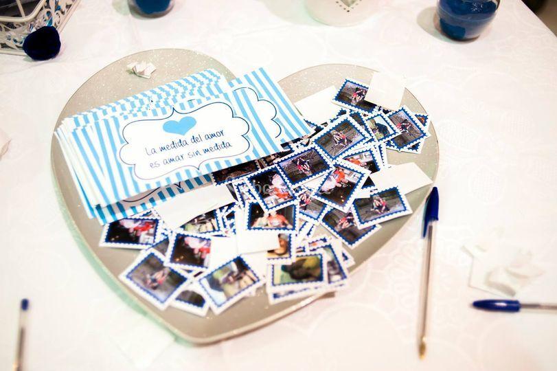 Postales con mensajes y sellos