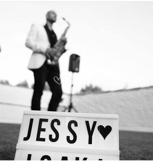 Saxofonista - DJ para bodas