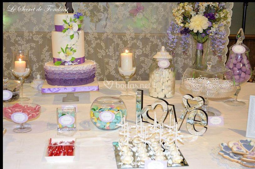 Mesa dulce para bodas de le secret fondant fotos for Mesa de dulces para boda