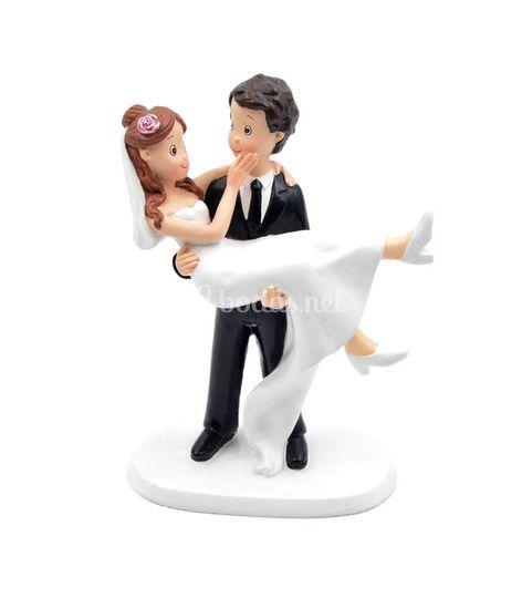 Figura novia en brazos bodas