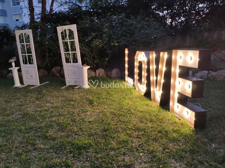 Letras LOVE y photocall