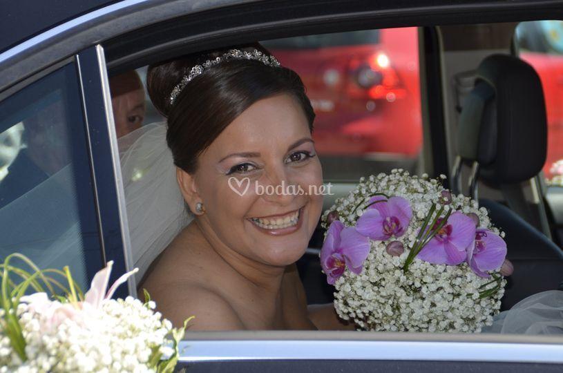 Maquillaje de novia feliz