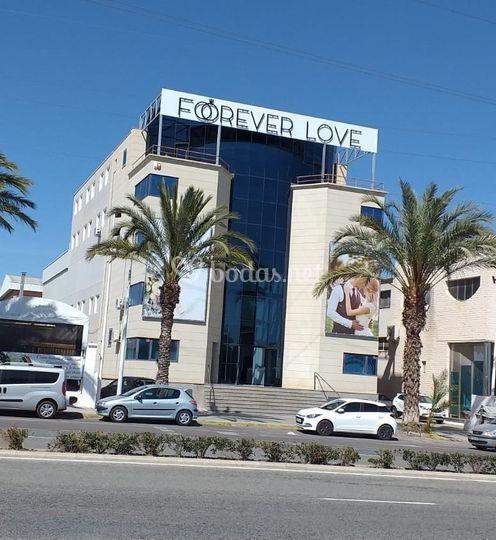 Edificio Forever Love