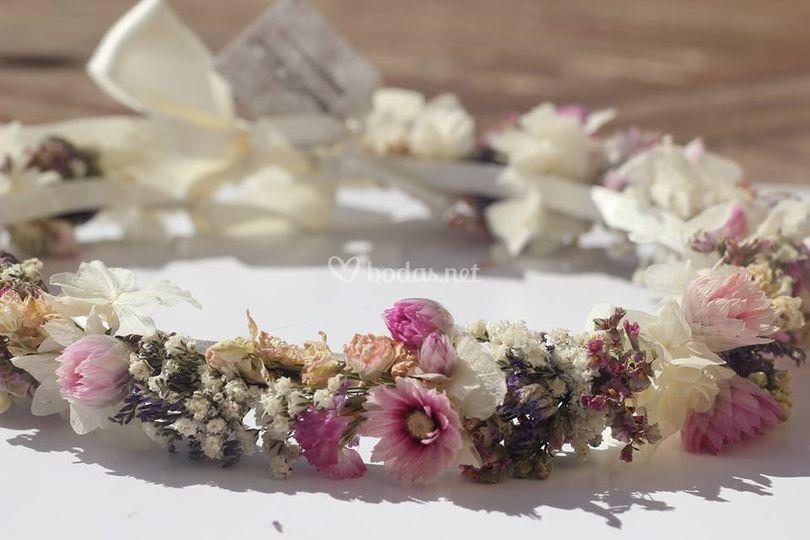 Corona entera de flor Alba