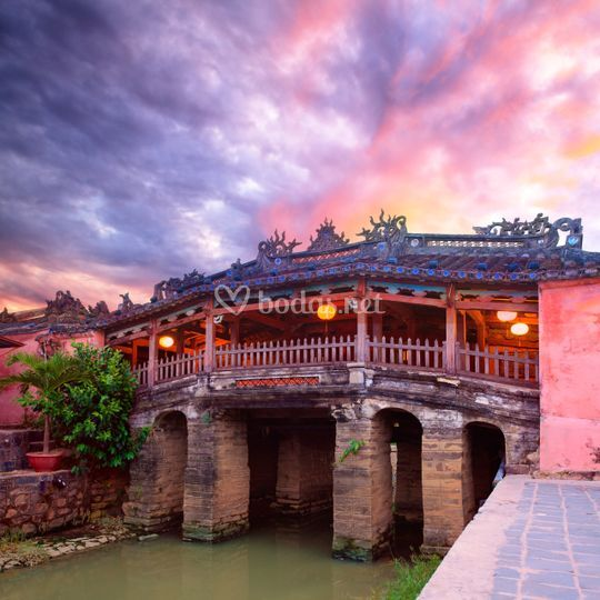 Puente japonés en Hoi An, Vietnam