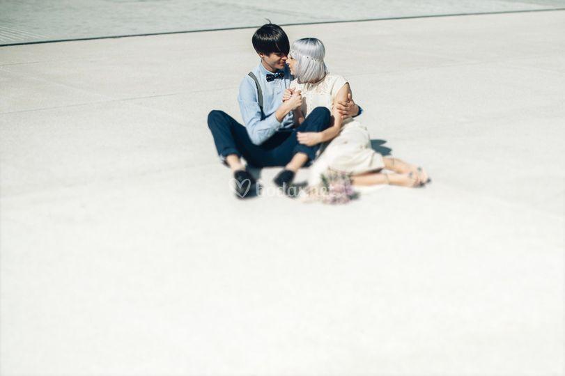 Novios en el suelo