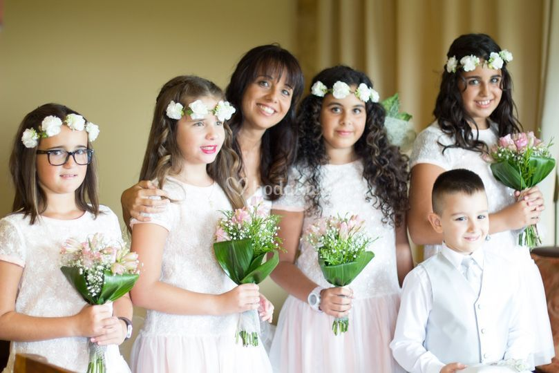 La novia y sus damitas