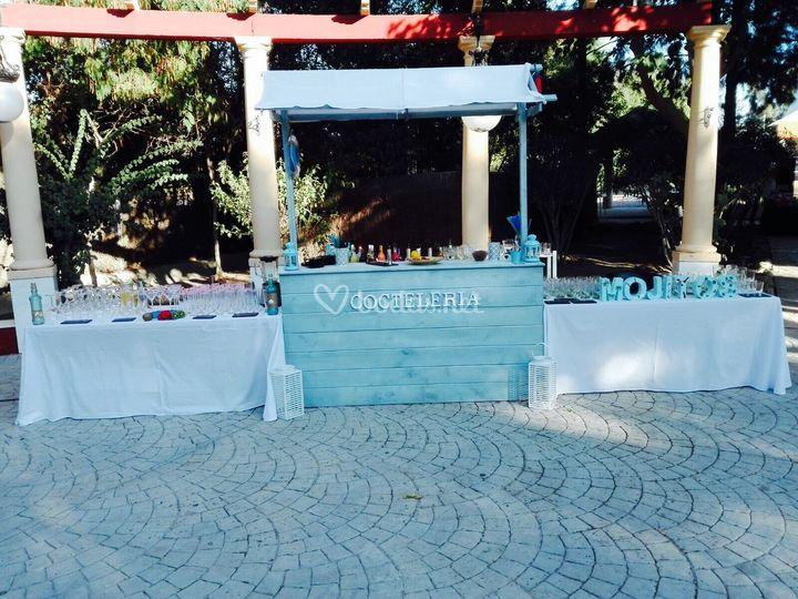 Barra coctelería azul cielo