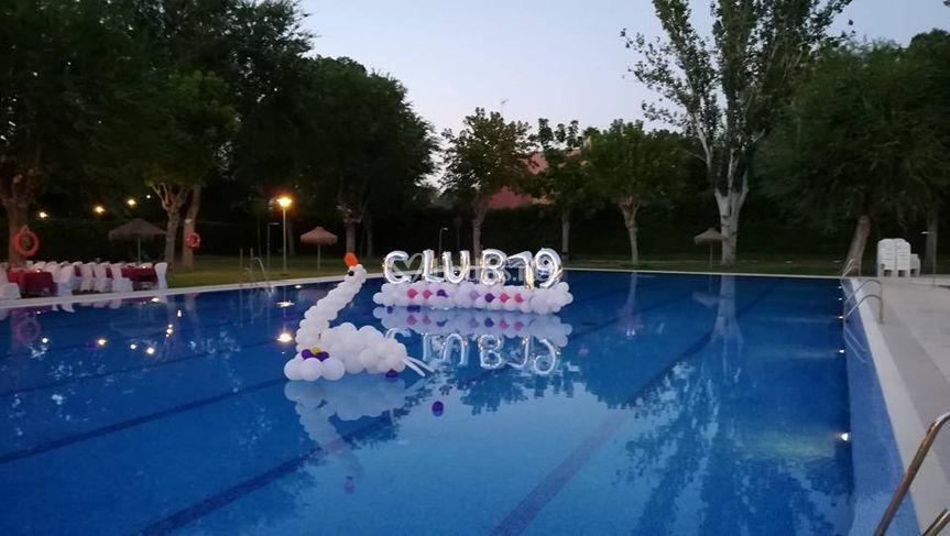 Globos arcoiris - Decoracion de piscinas ...