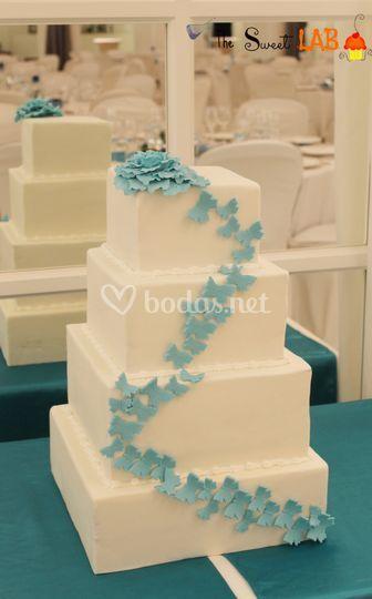 Tarta de boda mariposas azules