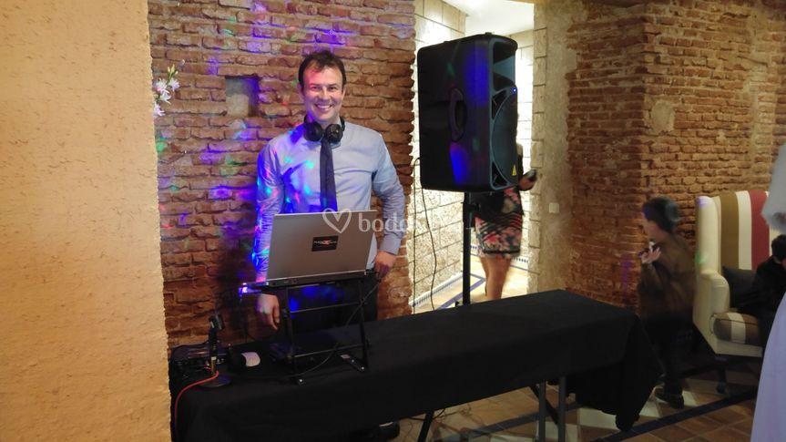 Manu. Uno de nuestros DJs