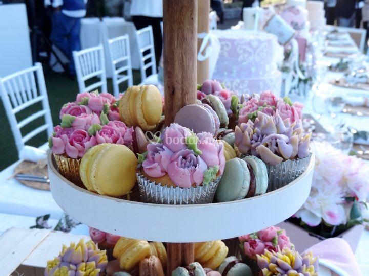 Stand de cupcakes y macarons