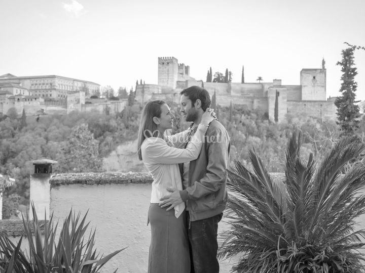 De fondo la Alhambra