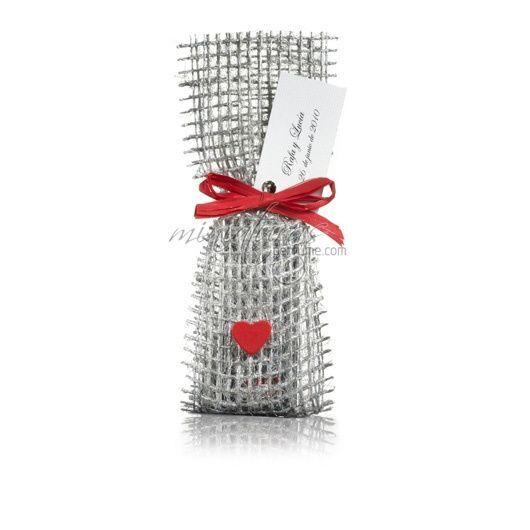Saquito plata con corazón rojo