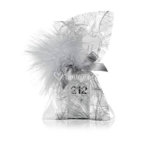 Saquito platino con plumas plata