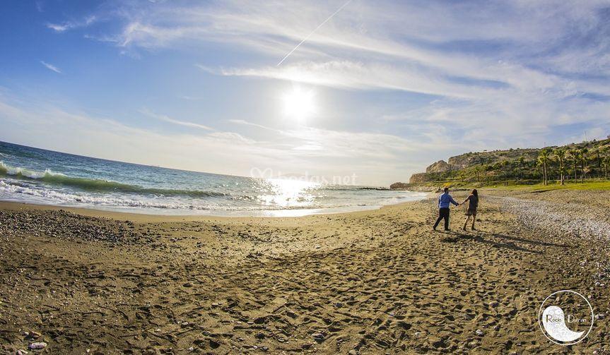 Precioso atardecer en la playa