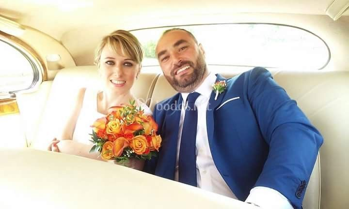 Ramo de novia con tonos naranjas