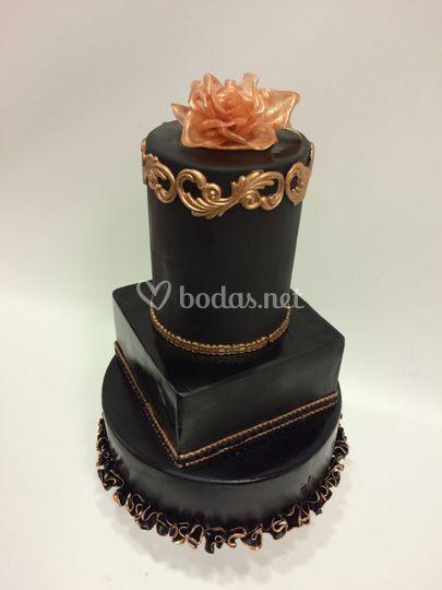 Tarta boda Black de Chocova Pasteleria Creativa