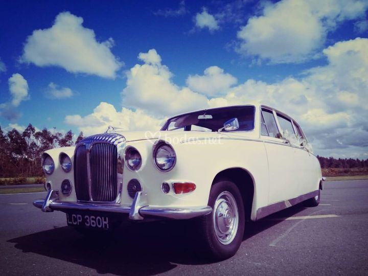 Daimler jaguar blanco