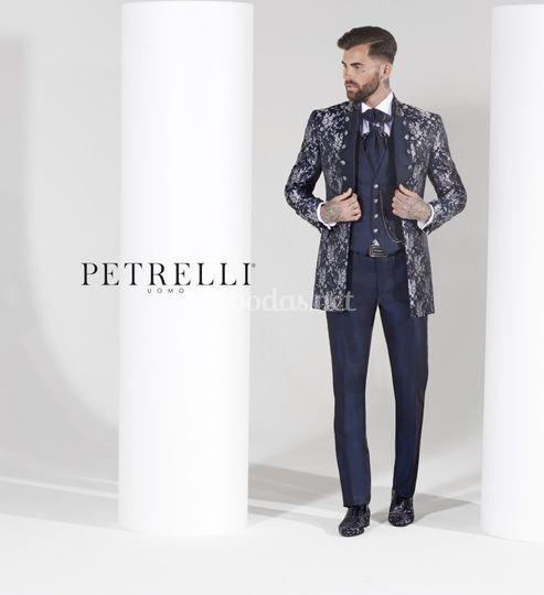 Traje de Petrelli