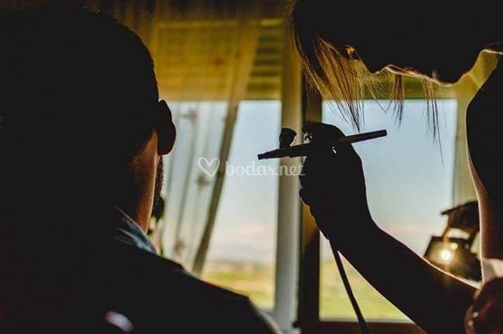 Maquillaje masculino aerografía