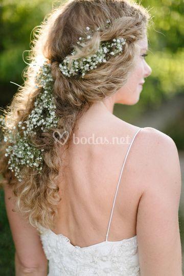 Rizos naturales con flores