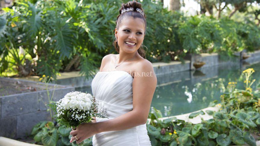La novia sonriendo