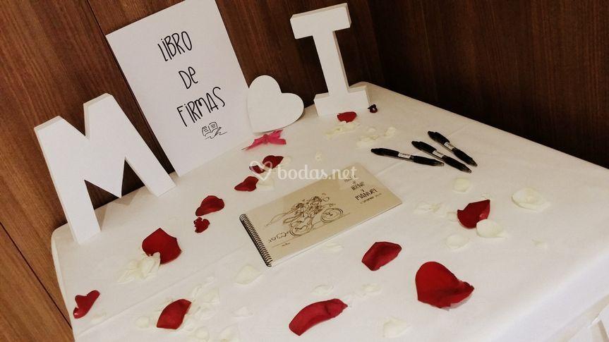 Mesa libro de firmas personal
