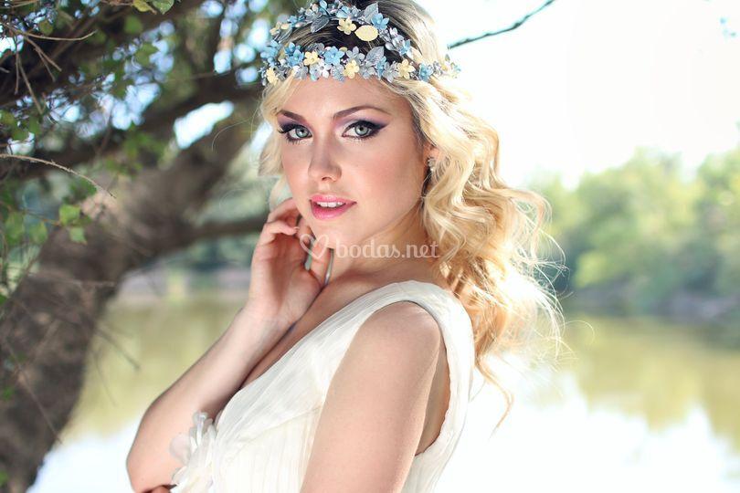 Corona porcelana azul plata