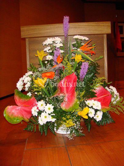 Centro floral colorido