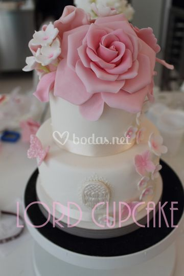 Tarta de boda rosa
