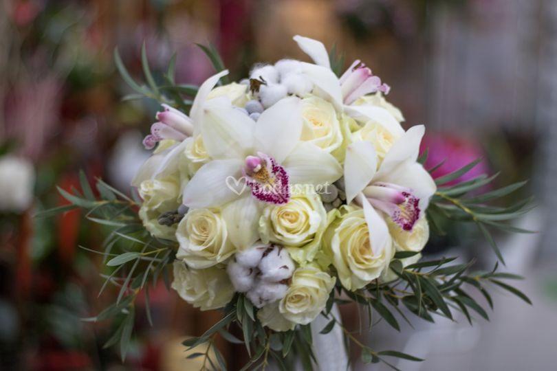 Ramo novia rosas y orquideas