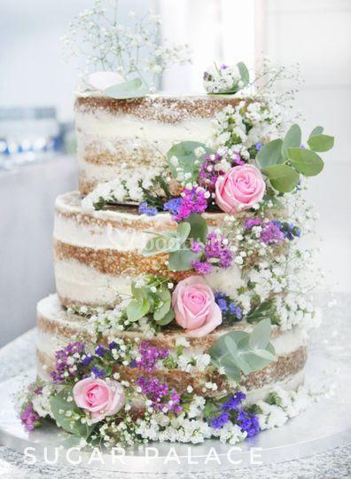 Naked cake, white & rose