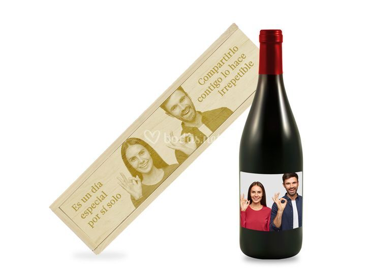 Caja y vino personalizados