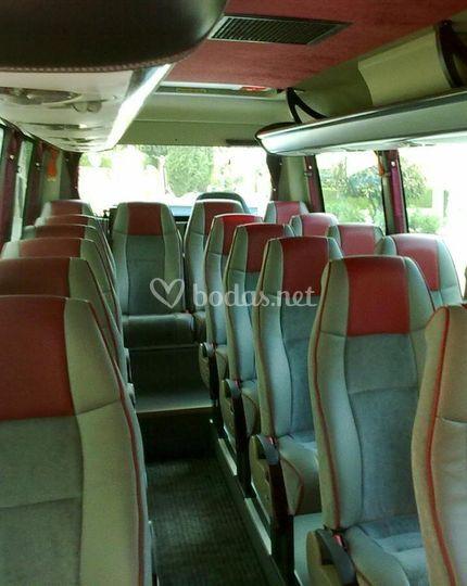 Interior minibuses de 19 plazas