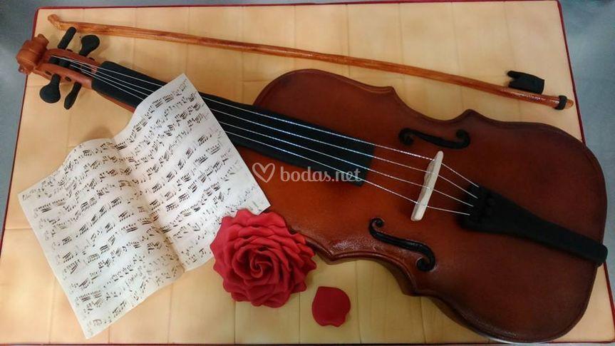 Tarta violín tamaño real