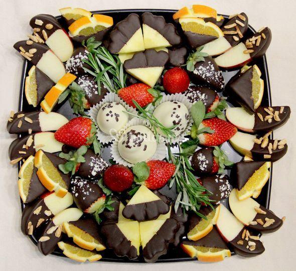 Bandeja de fruta con chocolate