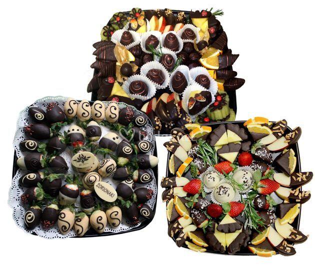 Diferentes bandejas para la mesa dulce