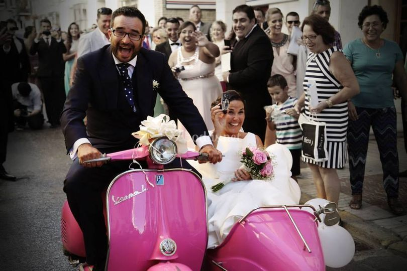 Moto pink