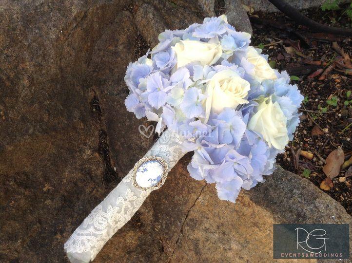 Ramo de novia azul y crudo