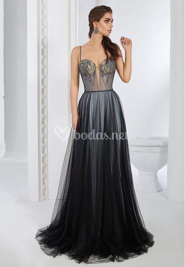 Vestido de noche fluido con falda