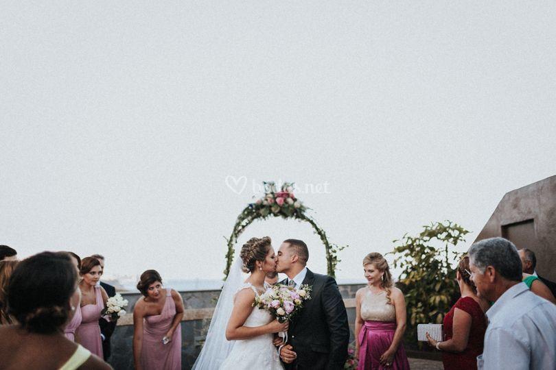 Ceremonia, beso, si quiero