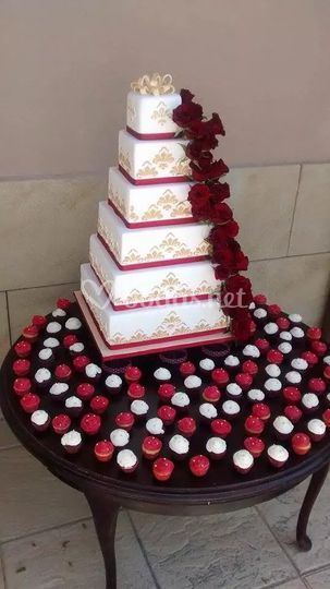 Tarta de boda con rosas