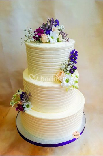 Tarta boda blanca elegante