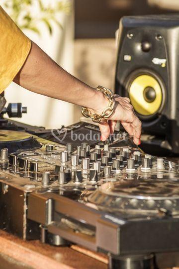 DJ Bauxa
