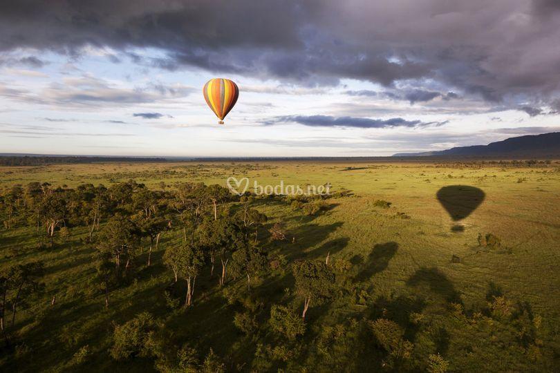Safari en globo en el rio mara