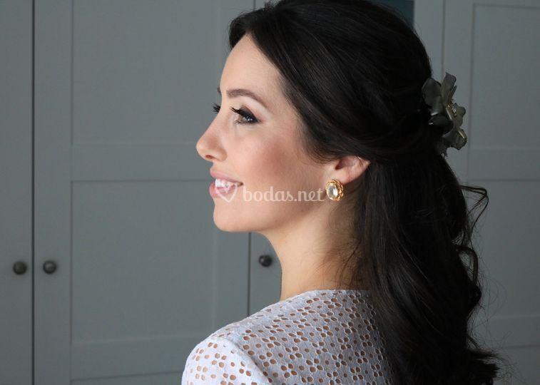 Maquillaje y peinado Laura