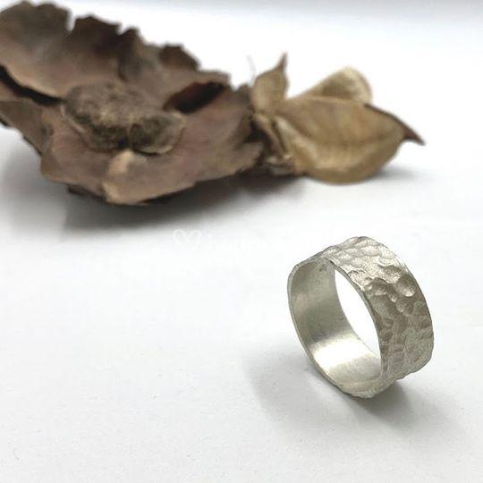 Alianza de plata con textura