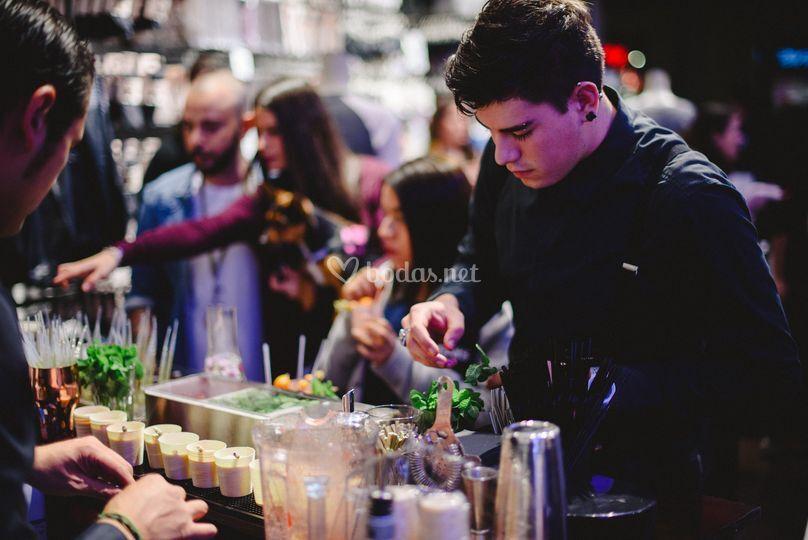 Bartenders sebastian. A. Perez