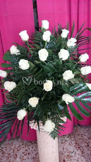 Decoración con rosas blancas